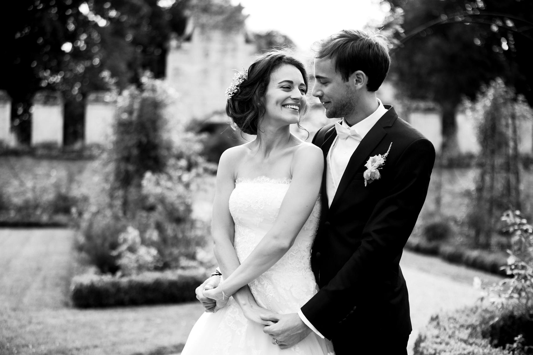 Photographe de mariage à l'abbaye de châalis dans l'oise
