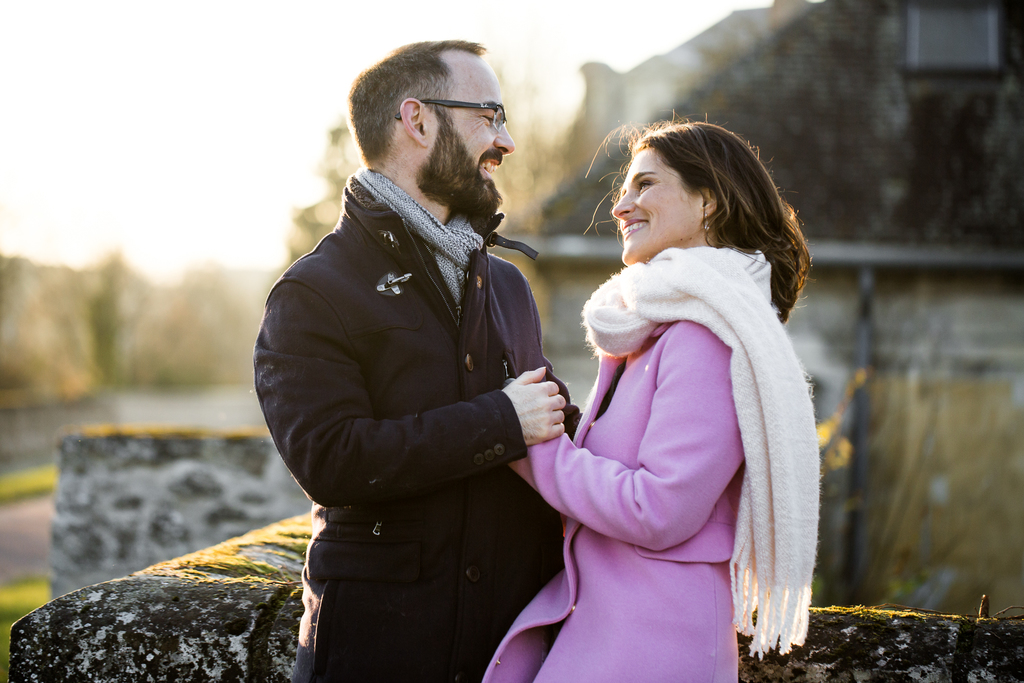 Mariage au Château de la Tour de Chantilly - photos de couple à senlis dans l'Oise