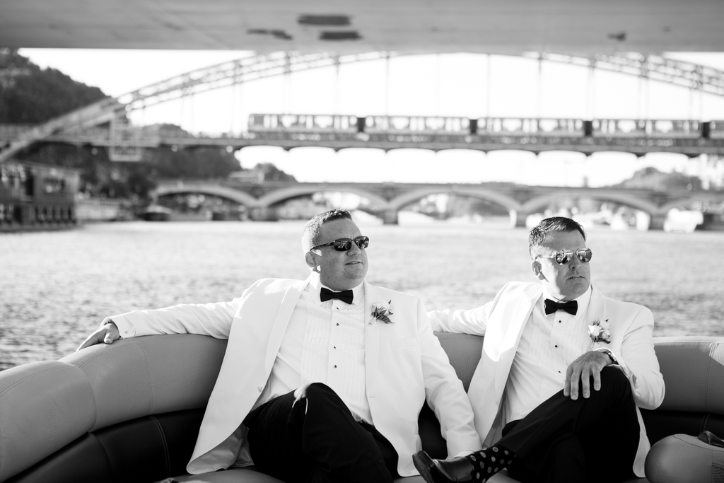 Mariage à Paris sur la Seine - same sex elopement wedding in paris france