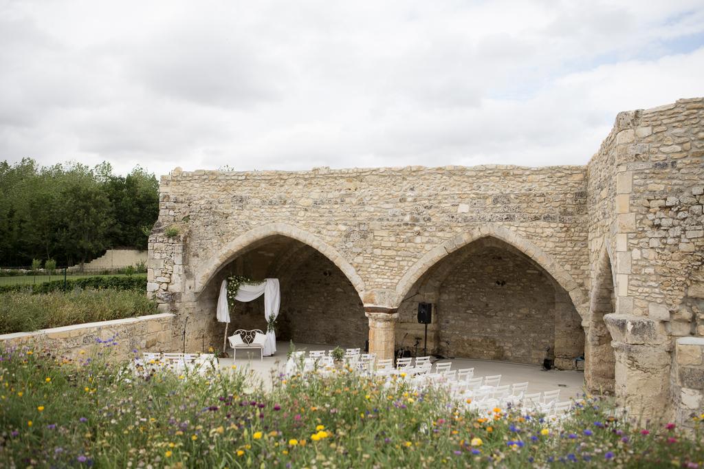 Cérémonie en extérieur au Château de la Trye