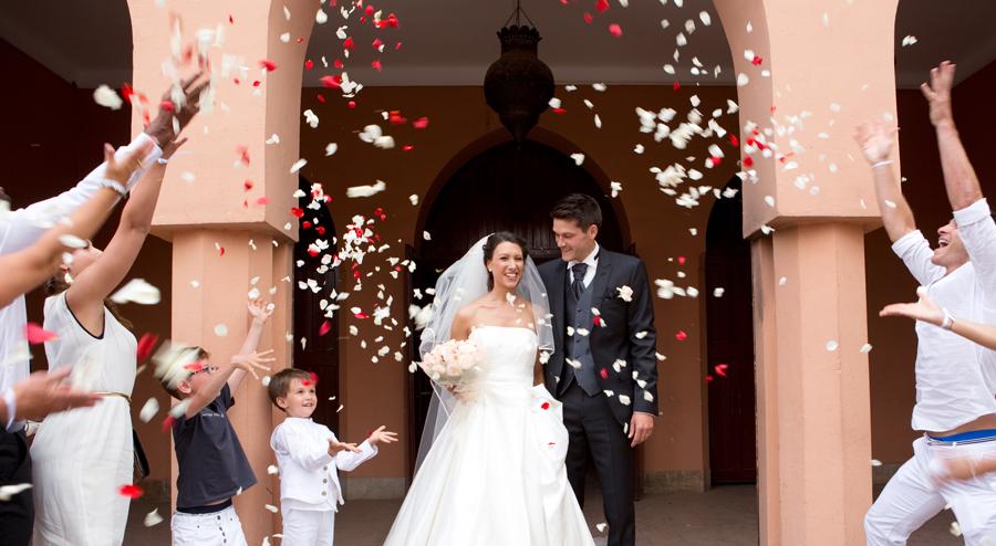Mariage Maroc, sortie d'église, mariage Charlène & Johann Ramaré