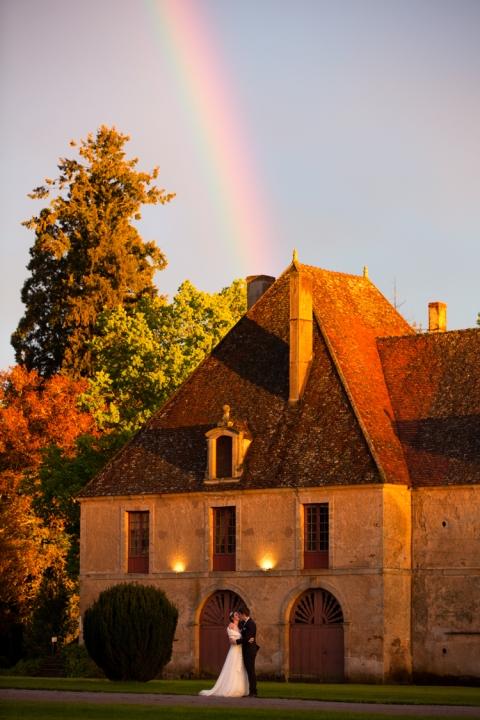 bientt la suite de ce trs beau reportage de mariage en bourgogne - Chateau De Sully Mariage