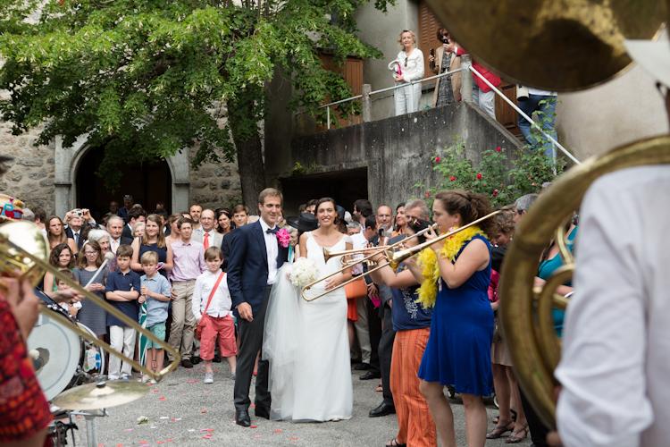 Photographe reportage mariage en Ardèche-86