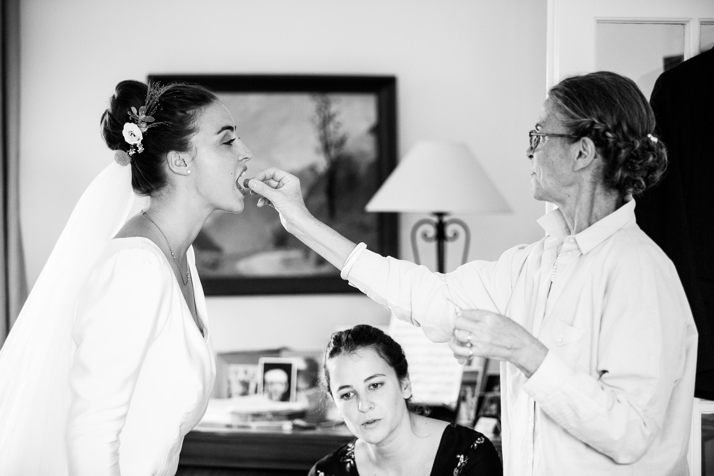 photographe de mariage préparatifs de la mariée à saint witz