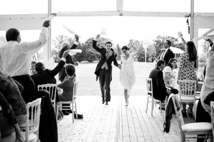 photographe mariage au golf de chantilly entrée des mariés